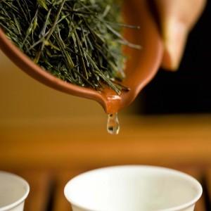 日本茶のソムリエが淹れる、最高のお茶をどうぞ。